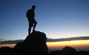 صعود الجبل في المنام